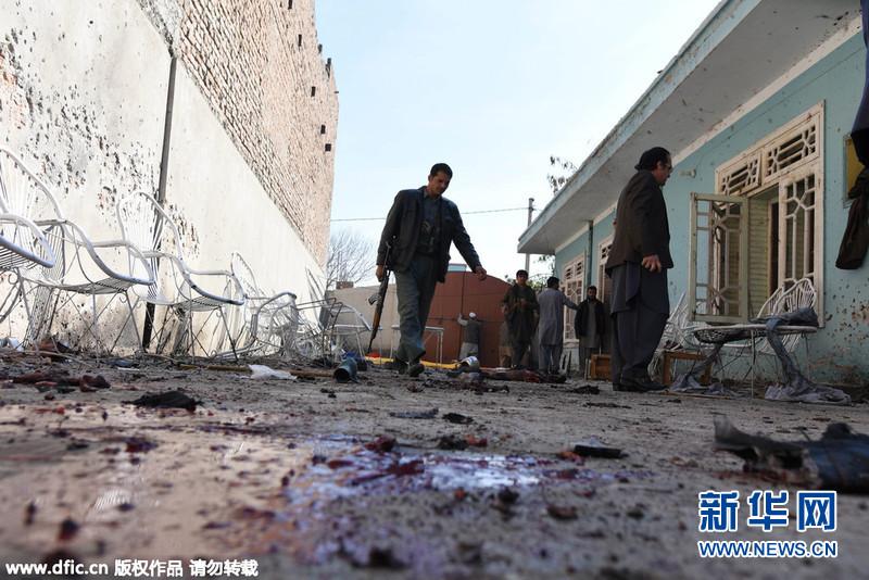 2016年1月17日,阿富汗南加哈尔省,当地发生自杀式爆炸袭击,导致至少13人死亡。.jpg