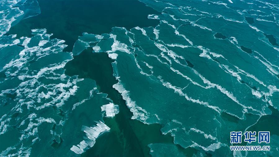 (环境)(2)青海湖进入封冻期